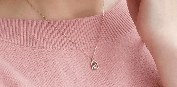 ディズニーコレクションのネックレスの着用画像